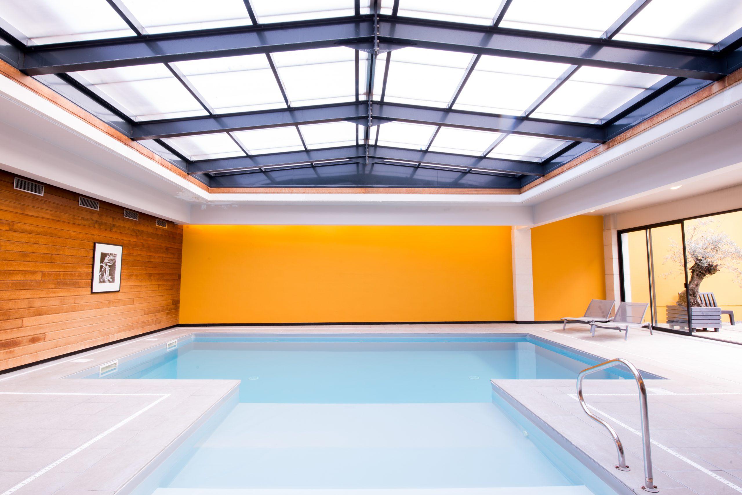Indoor pool Reims hotel de la Paix Champagne hotel